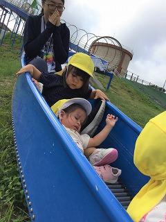 「南上原糸蒲公園」滑り台に挑戦!その2