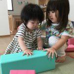 2歳児はゼロ歳児のお世話が好き