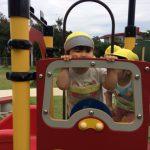 公園遊具で遊びました。